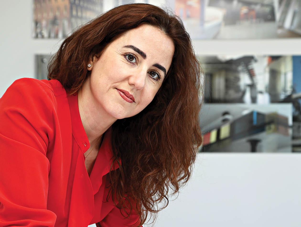 Asmaa Chraibi «J'aime le béton, j'aime bouffer de la poussière»