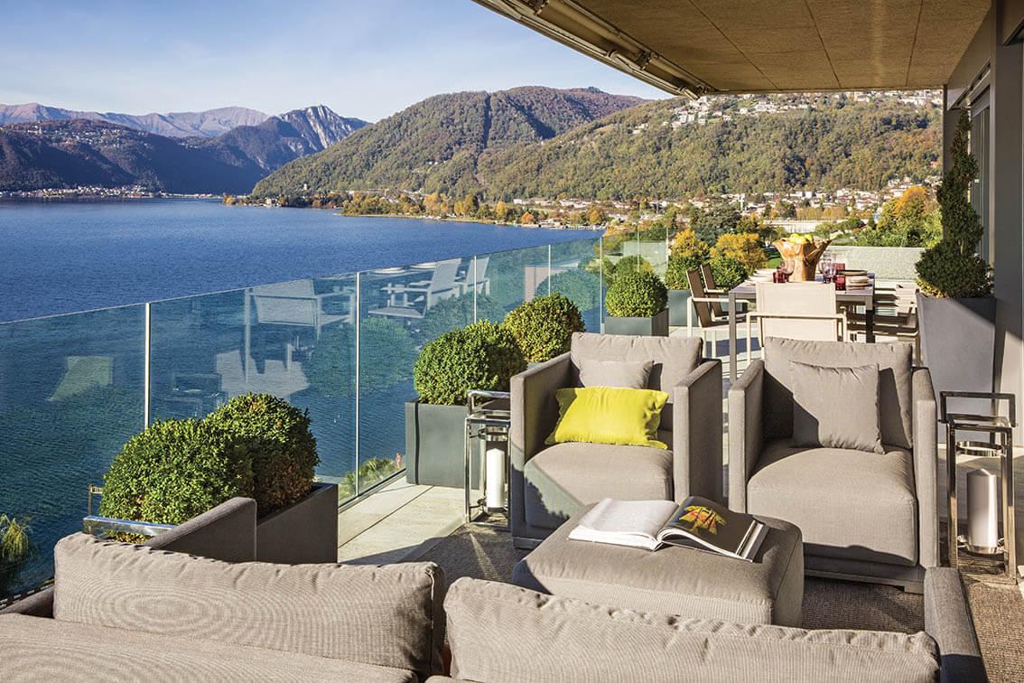 Suspendue au-dessus du lac de Lugano